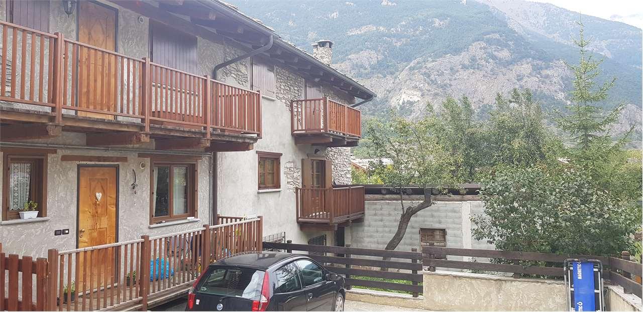 Appartamento in vendita a Oulx, 4 locali, prezzo € 260.000 | CambioCasa.it
