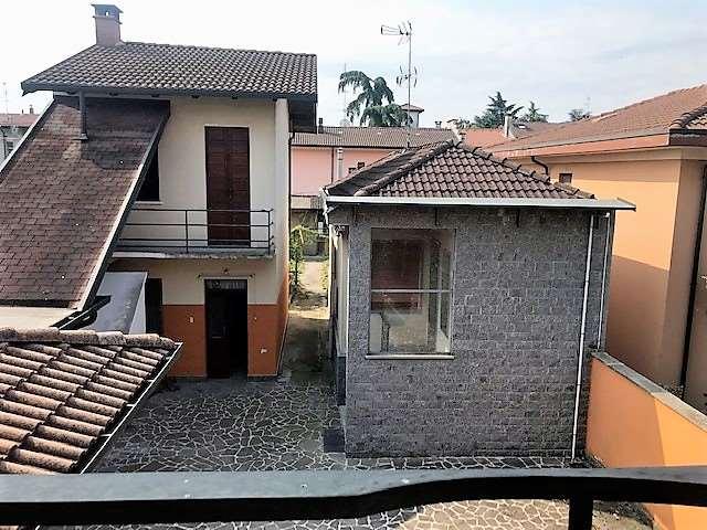 Appartamento in vendita a Trecate, 5 locali, prezzo € 225.000 | PortaleAgenzieImmobiliari.it