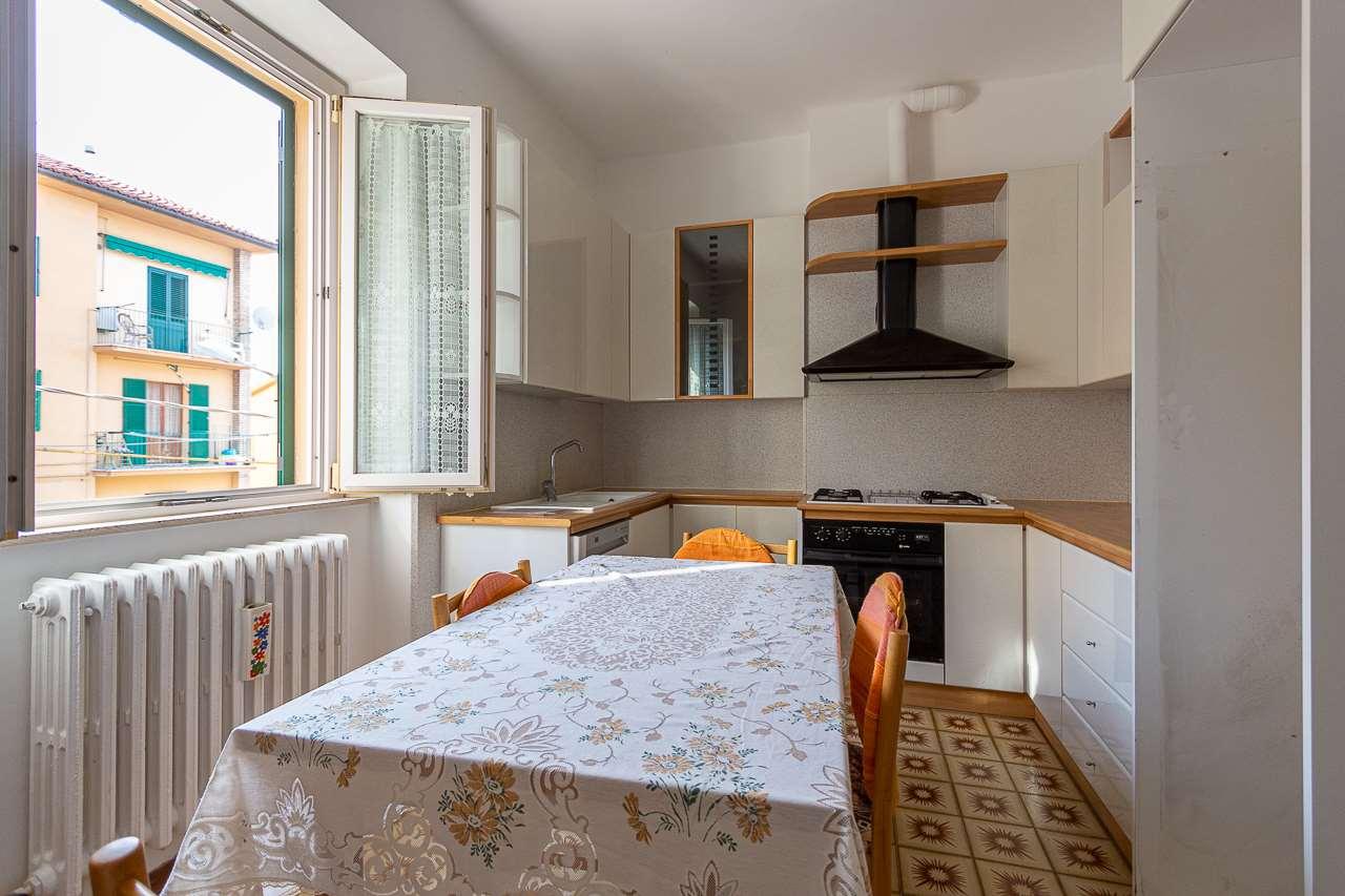 Appartamento in vendita a Osimo, 4 locali, prezzo € 65.000 | CambioCasa.it