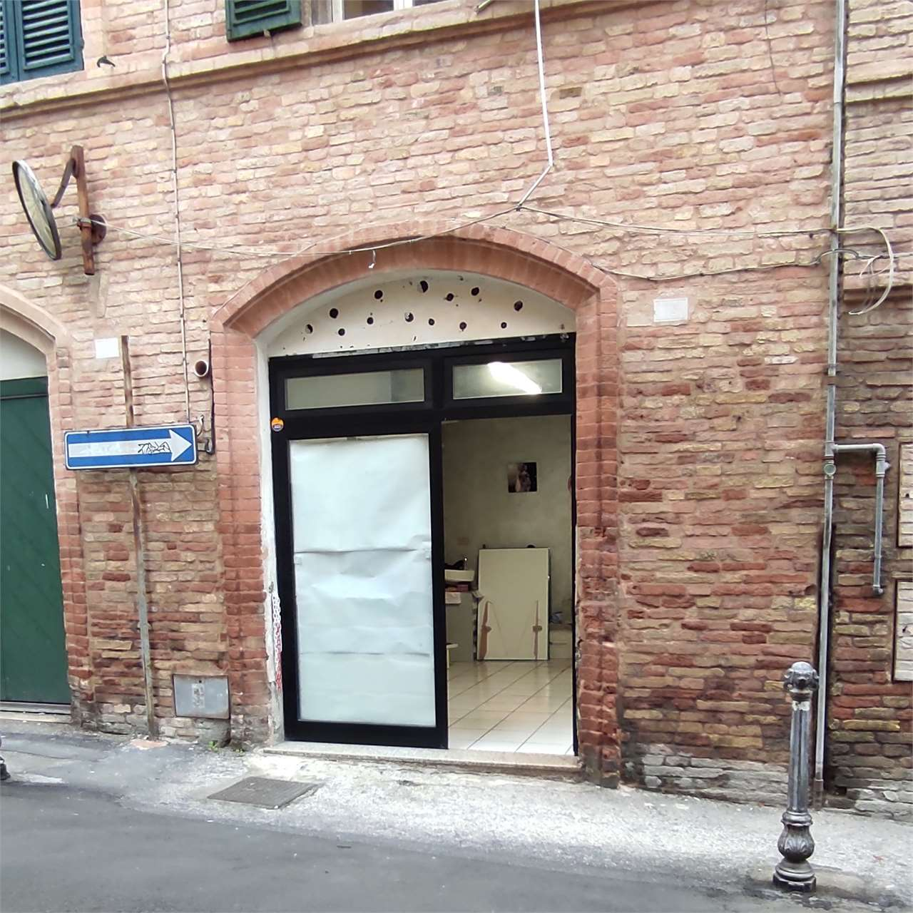 Negozio / Locale in affitto a Osimo, 2 locali, prezzo € 350 | CambioCasa.it
