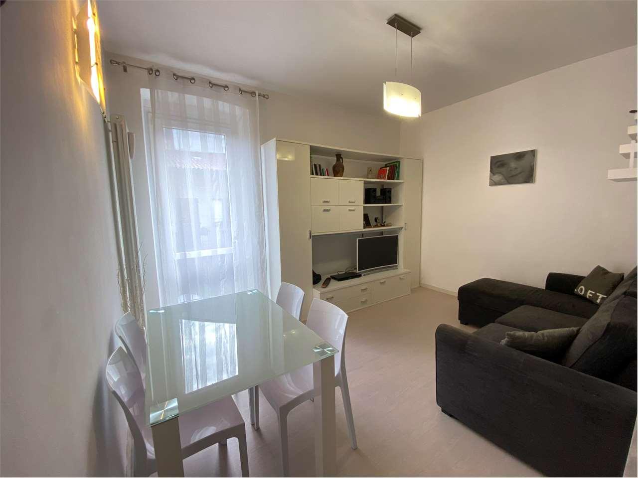 Vendita Bilocale Appartamento Azzate Via Guglielmo Marconi 12 232851