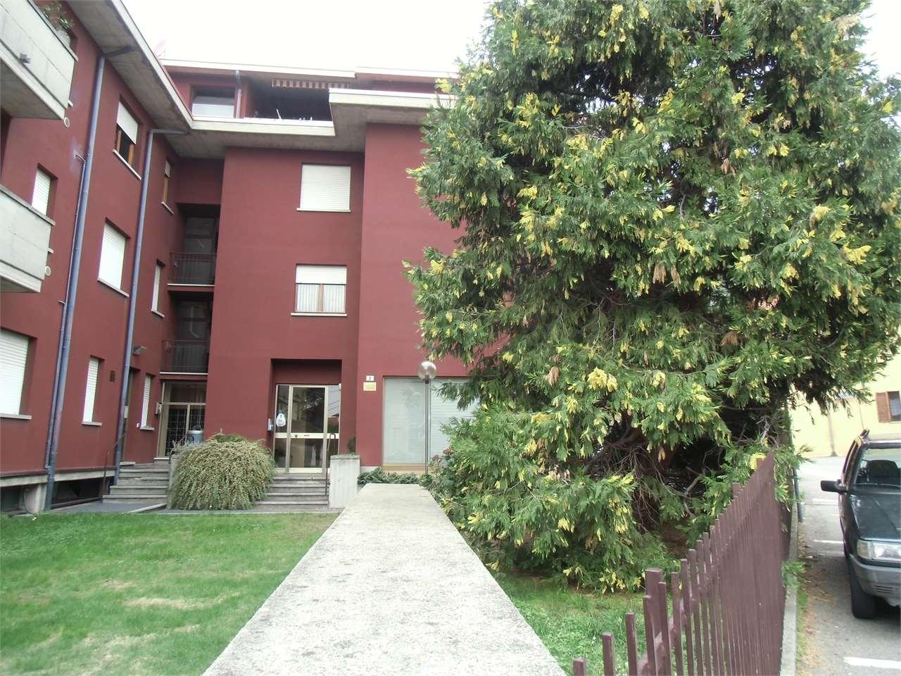 Vendita Quadrilocale Appartamento Albizzate 245340