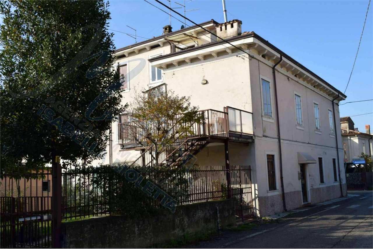 Appartamento in vendita a Verona, 5 locali, zona Località: San Michele, prezzo € 230.000   PortaleAgenzieImmobiliari.it
