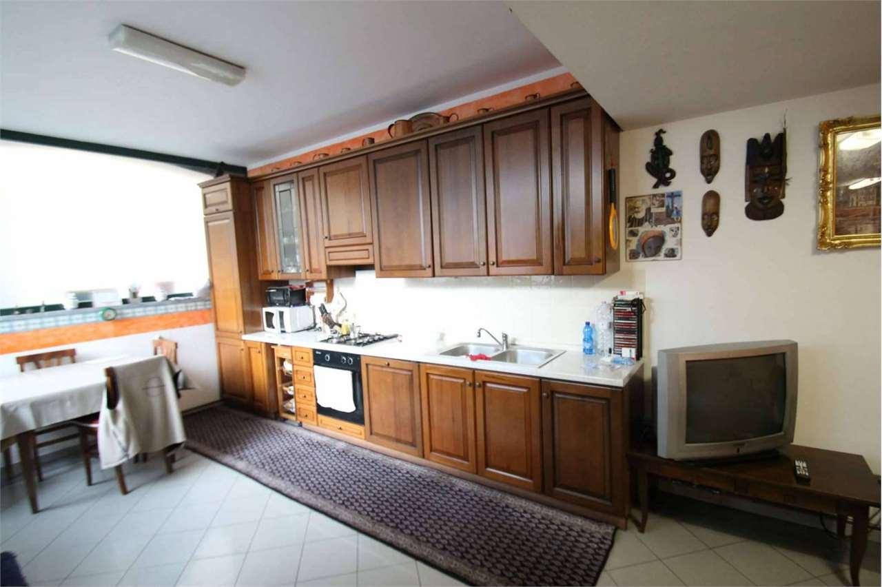 Vendita Trilocale Appartamento Annone di Brianza via Pescherino  233001