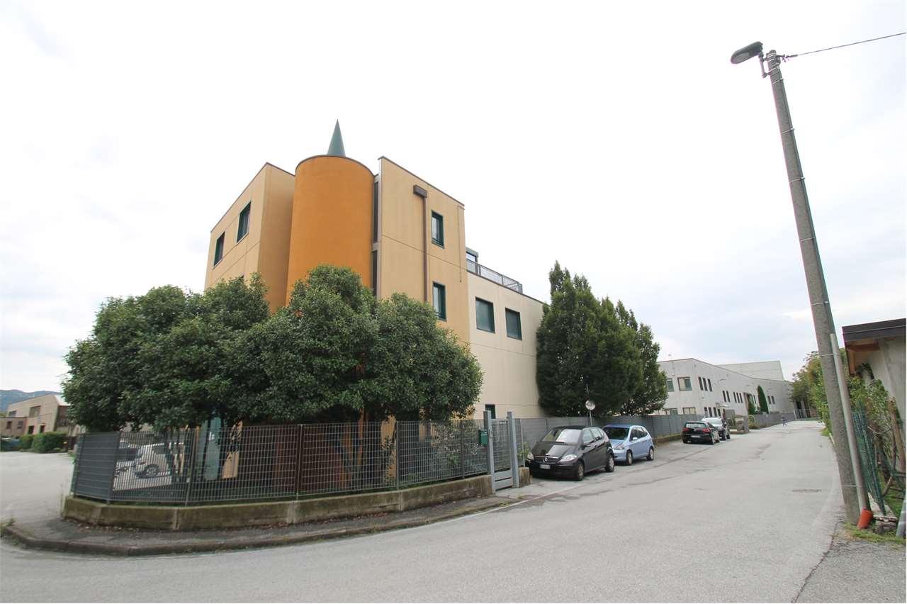 Vendita Capannone Commerciale/Industriale Annone di Brianza Via 1° Maggio  233095