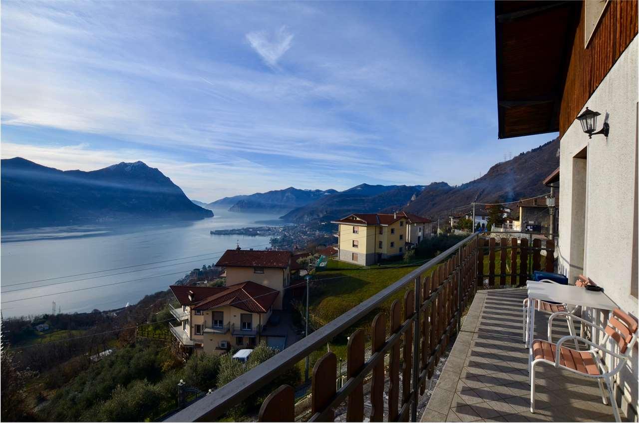 Appartamento in vendita a Costa Volpino, 3 locali, prezzo € 98.000 | CambioCasa.it