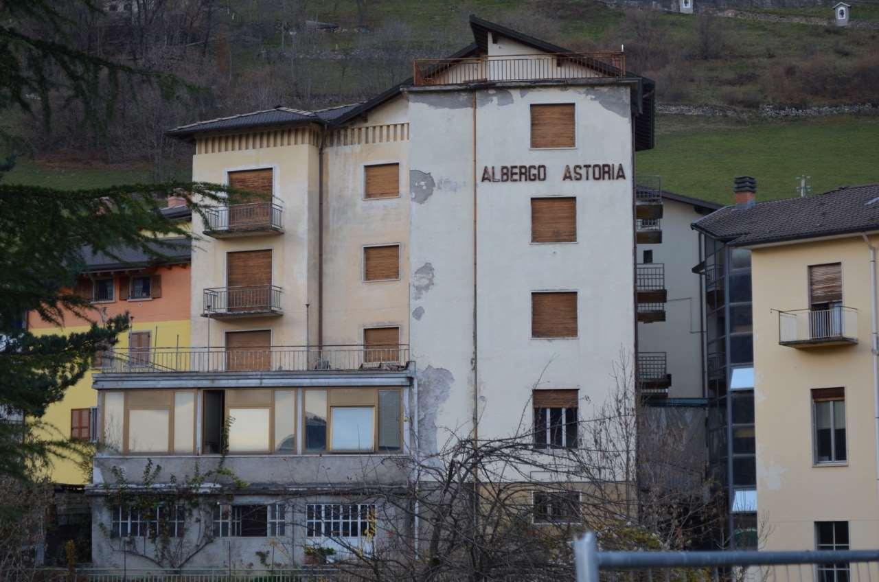 Palazzo / Stabile in vendita a Vilminore di Scalve, 30 locali, prezzo € 160.000 | CambioCasa.it