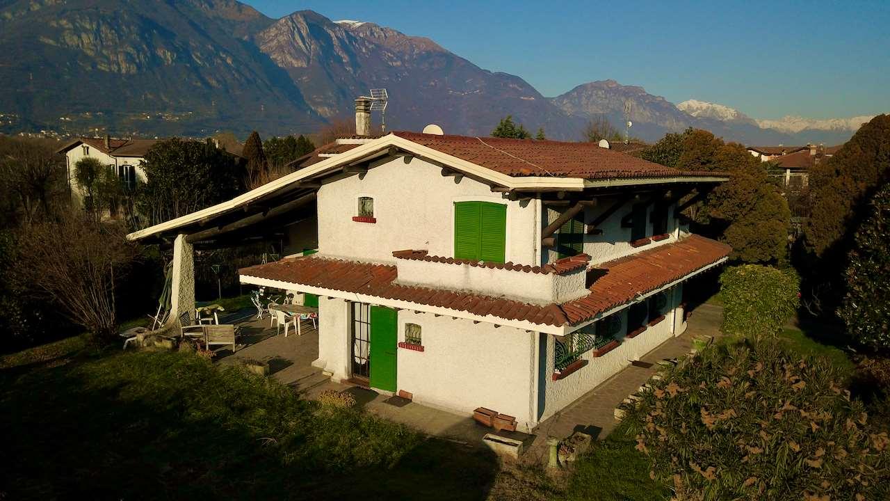 Villa in vendita a Pisogne, 5 locali, prezzo € 595.000 | CambioCasa.it