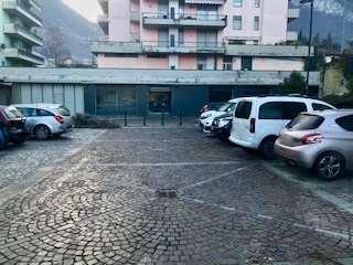 Negozio / Locale in vendita a Pisogne, 1 locali, prezzo € 320.000   CambioCasa.it