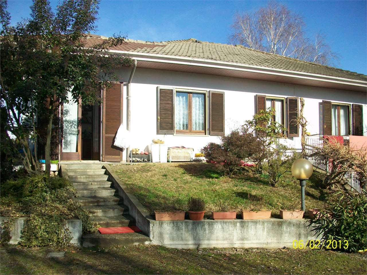 Villa in Vendita a Agrate Conturbia