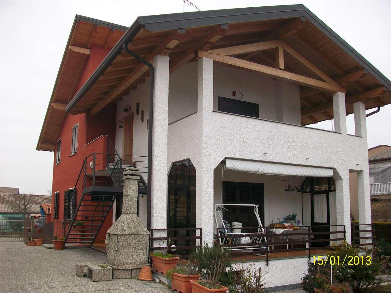 Villa in Vendita a Borgo Ticino