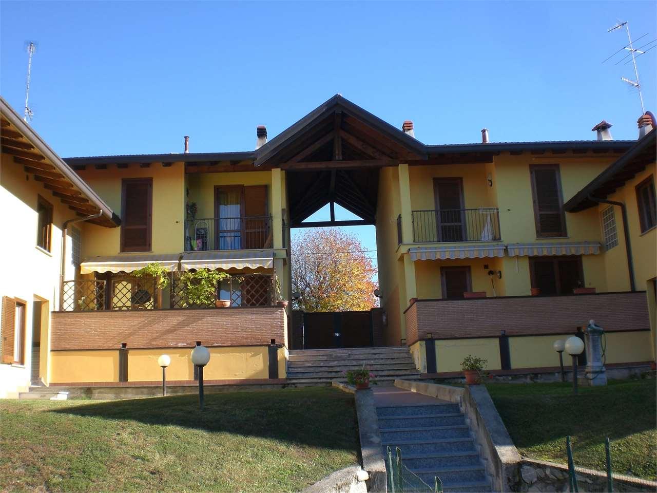 Appartamento in vendita a Osmate, 4 locali, prezzo € 215.000 | CambioCasa.it