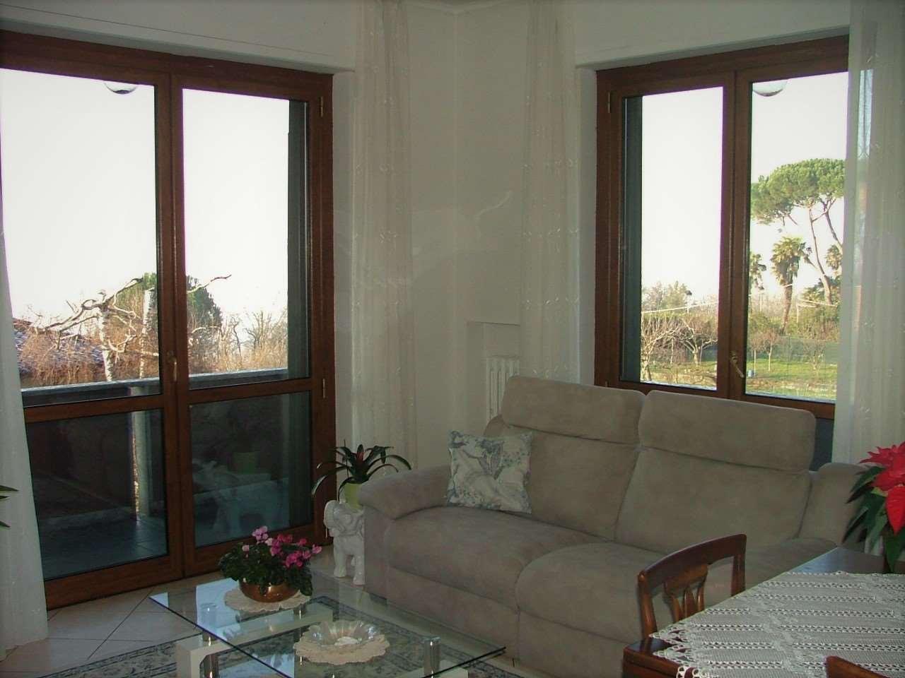 Appartamento in vendita a Gavirate, 3 locali, zona Zona: Voltorre, prezzo € 129.000 | CambioCasa.it