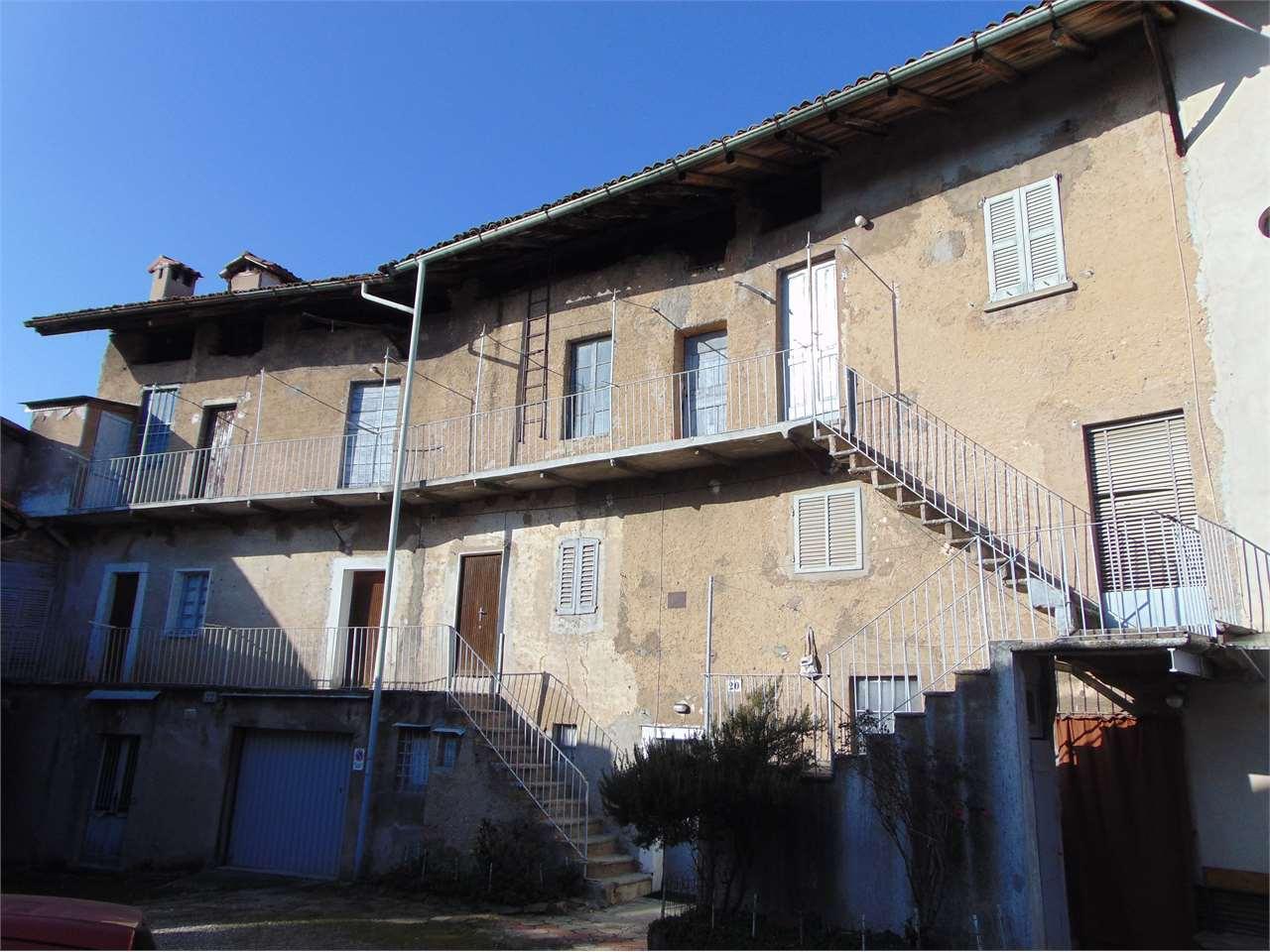 Rustico / Casale in vendita a Varese, 9999 locali, zona Zona: Giubiano, prezzo € 270.000 | CambioCasa.it