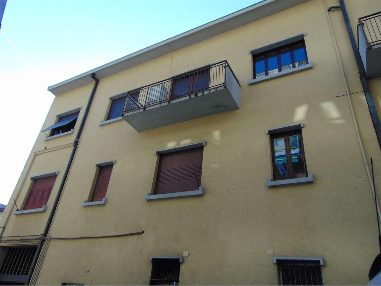Appartamento in vendita a Varese, 4 locali, zona Zona: Centro, prezzo € 170.000 | CambioCasa.it