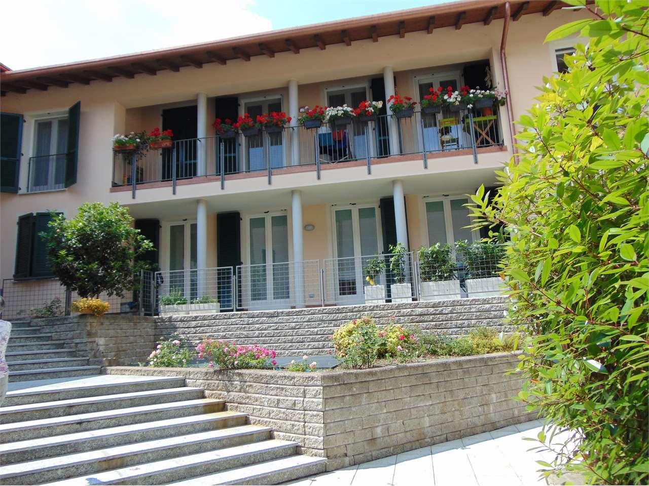 Appartamento in vendita a Azzate, 2 locali, prezzo € 159.000   CambioCasa.it