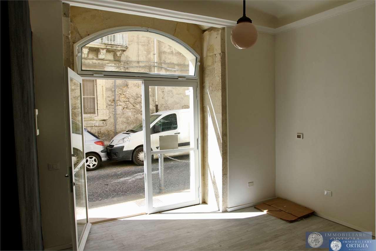 Negozio / Locale in vendita a Siracusa, 1 locali, zona Zona: Ortigia, prezzo € 78.000   CambioCasa.it