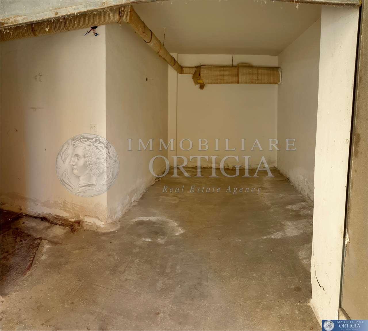 Box / Garage in vendita a Siracusa, 1 locali, zona Zona: Tica-tisia, prezzo € 19.500 | CambioCasa.it