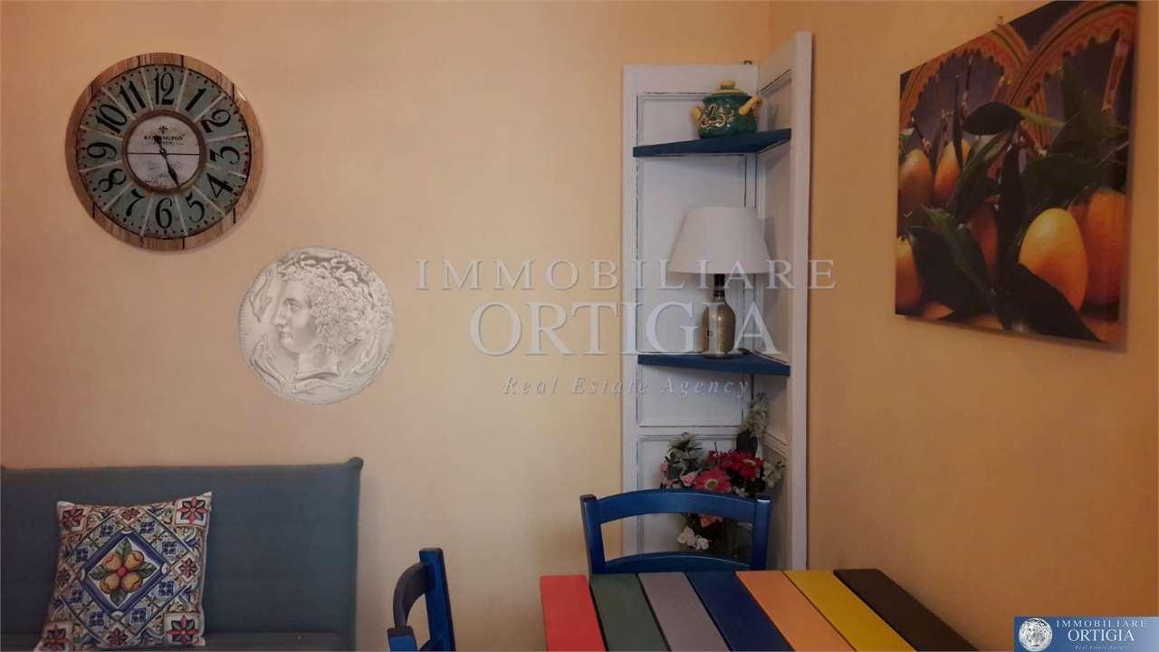 Appartamento in affitto a Siracusa, 2 locali, zona Zona: Ortigia, prezzo € 560 | CambioCasa.it
