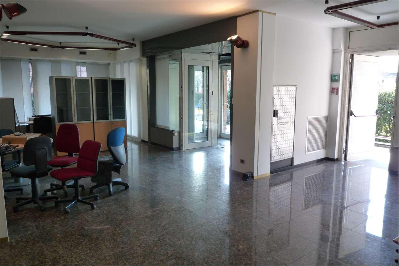 Negozio / Locale in affitto a Conegliano, 9999 locali, zona Località: Monticella, prezzo € 2.500   CambioCasa.it