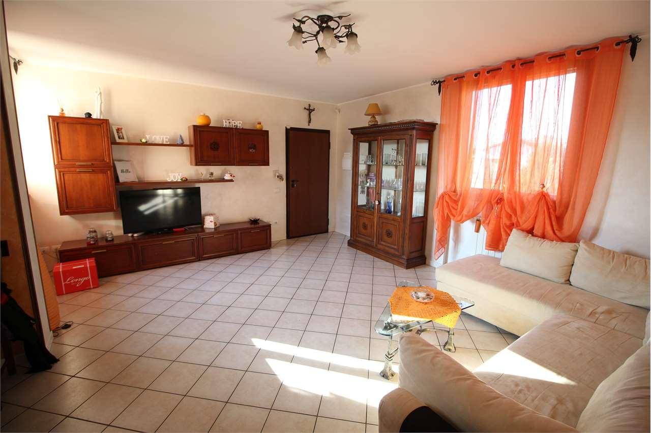 Appartamento in vendita a Filago, 3 locali, prezzo € 115.000 | CambioCasa.it