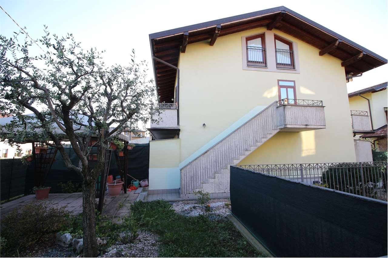 Appartamento in vendita a Madone, 4 locali, zona Località: Madone, prezzo € 169.000   CambioCasa.it