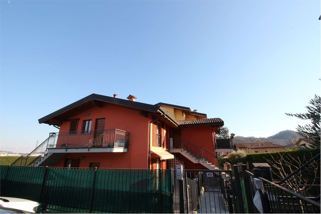 Appartamento in affitto a Palazzago, 2 locali, prezzo € 450   CambioCasa.it