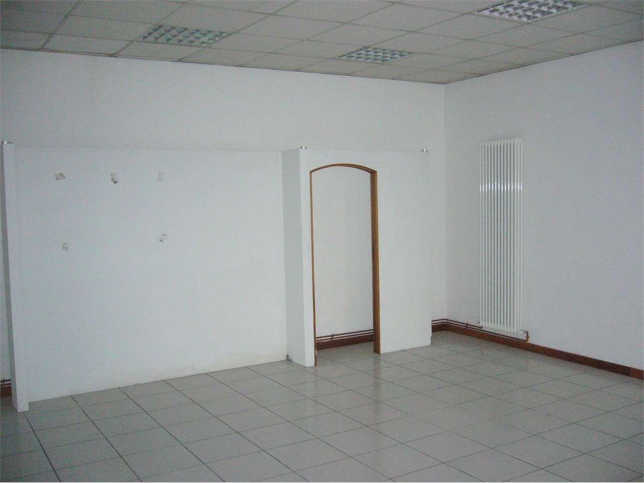 Ufficio / Studio in vendita a Rovereto, 4 locali, Trattative riservate   CambioCasa.it