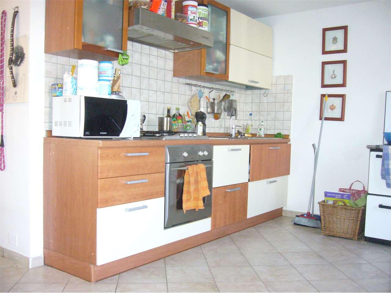 Appartamento in vendita a Besenello, 5 locali, prezzo € 160.000   CambioCasa.it