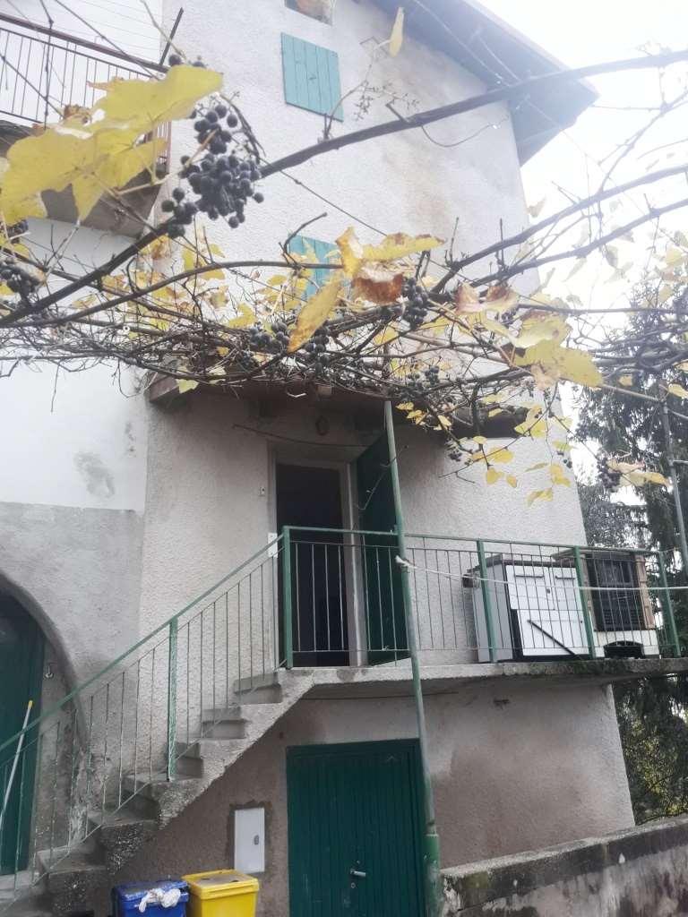 Appartamento in vendita a Ala, 3 locali, prezzo € 1 | CambioCasa.it