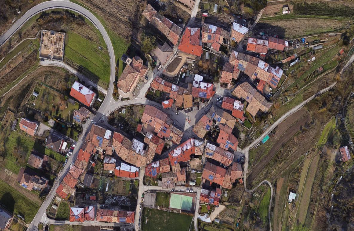 Porzione di Casa in vendita a Ronzo-Chienis