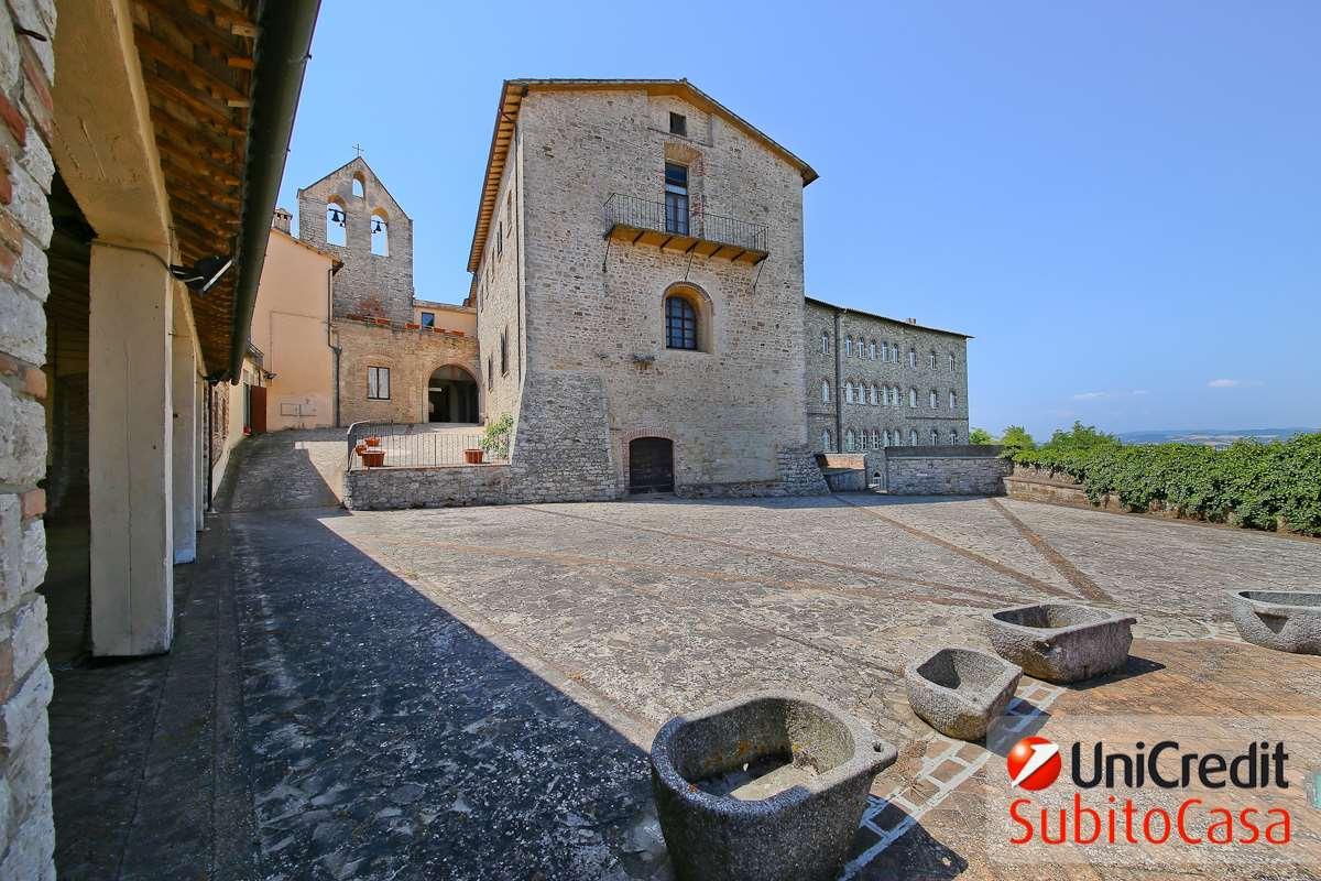 Palazzo / Stabile in vendita a Todi, 9999 locali, zona Località: Centro storico, prezzo € 3.200.000 | CambioCasa.it