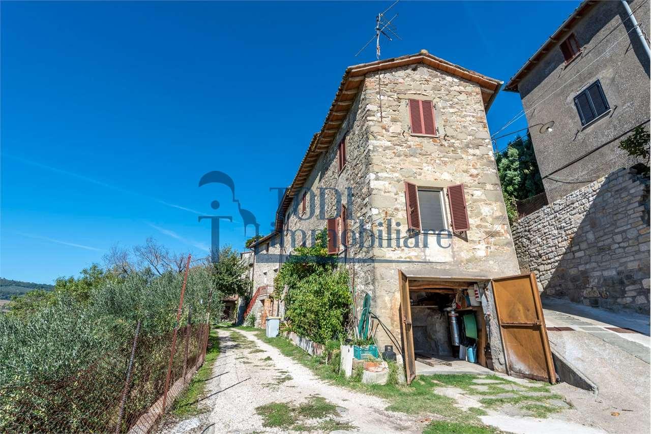 Appartamento in vendita a Todi, 3 locali, prezzo € 75.000 | CambioCasa.it