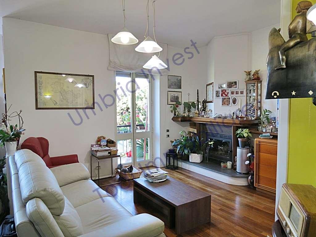 Appartamento in vendita a Orvieto, 4 locali, prezzo € 168.000 | CambioCasa.it