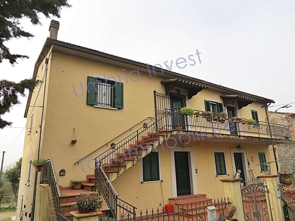 Appartamento in vendita a Baschi, 3 locali, prezzo € 58.000 | CambioCasa.it