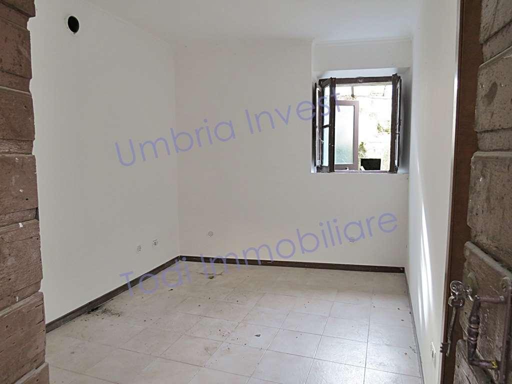 Appartamento in vendita a Orvieto, 2 locali, prezzo € 37.000 | CambioCasa.it