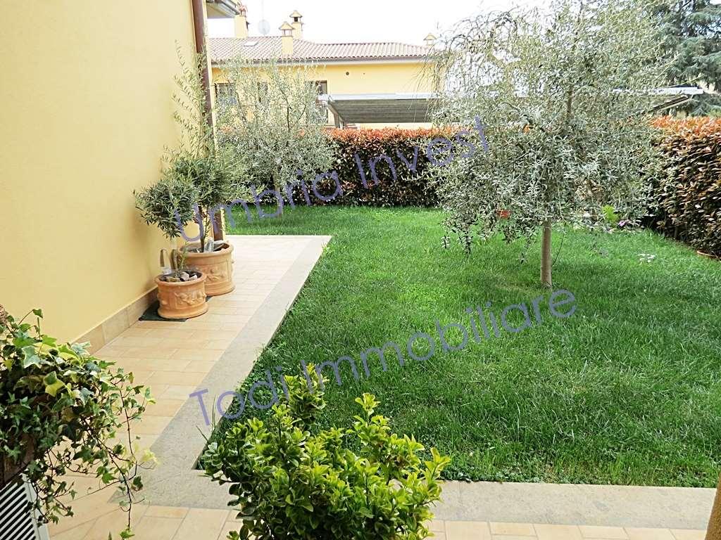 Appartamento in vendita a Orvieto, 4 locali, zona Zona: Ciconia, prezzo € 185.000 | CambioCasa.it