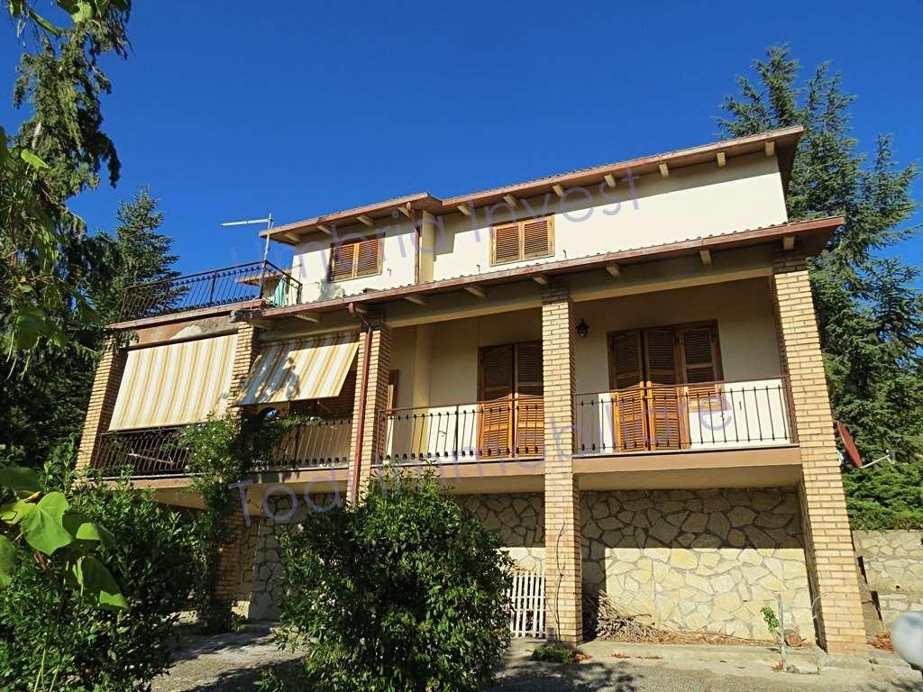 Villa in vendita a Montecchio, 6 locali, prezzo € 170.000 | CambioCasa.it