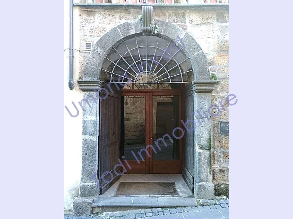 Magazzino in affitto a Orvieto, 2 locali, prezzo € 280 | CambioCasa.it