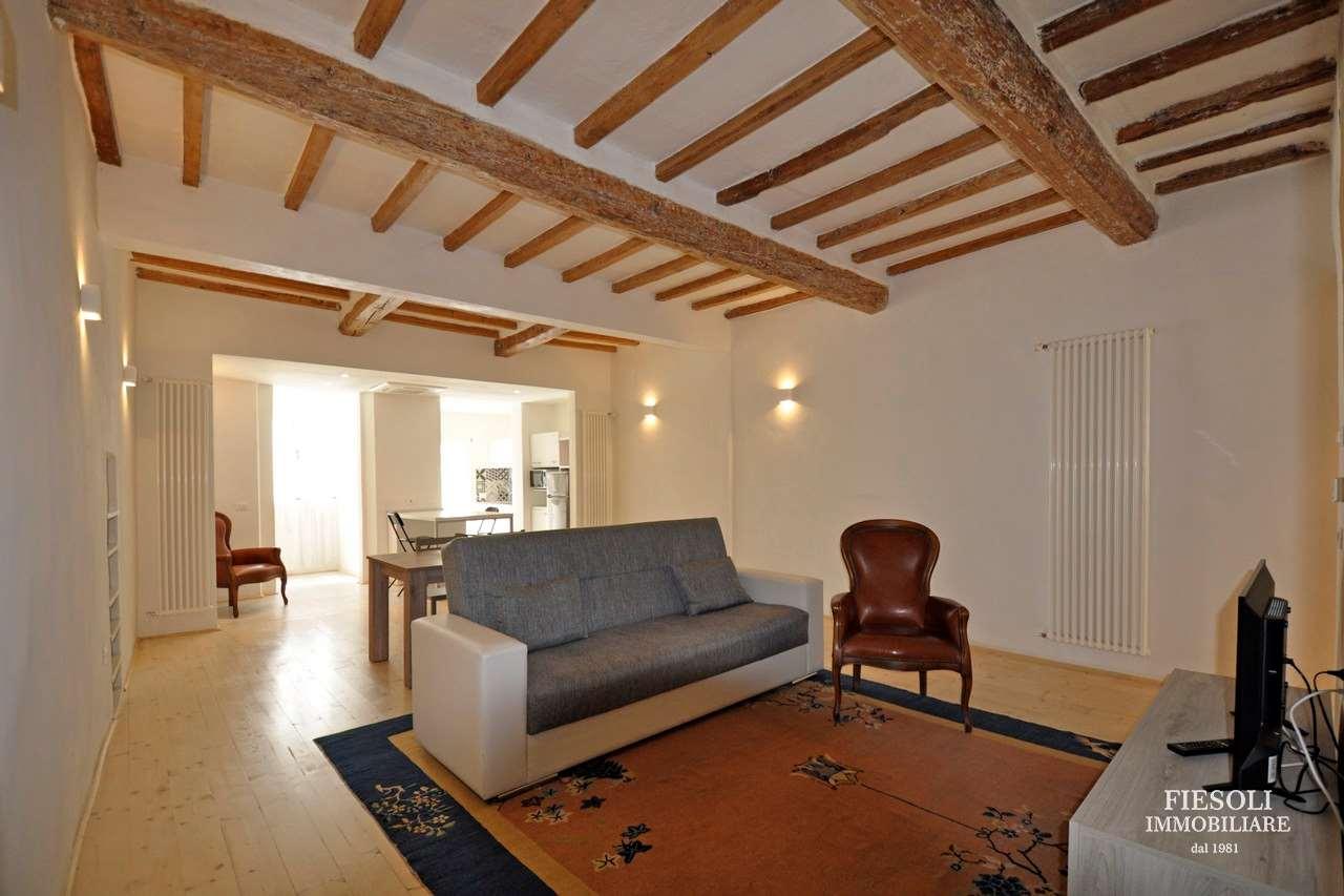 Appartamento in Affitto a Centro Oltrarno/ Santo Spirito/ San Frediano - Firenze (FI)