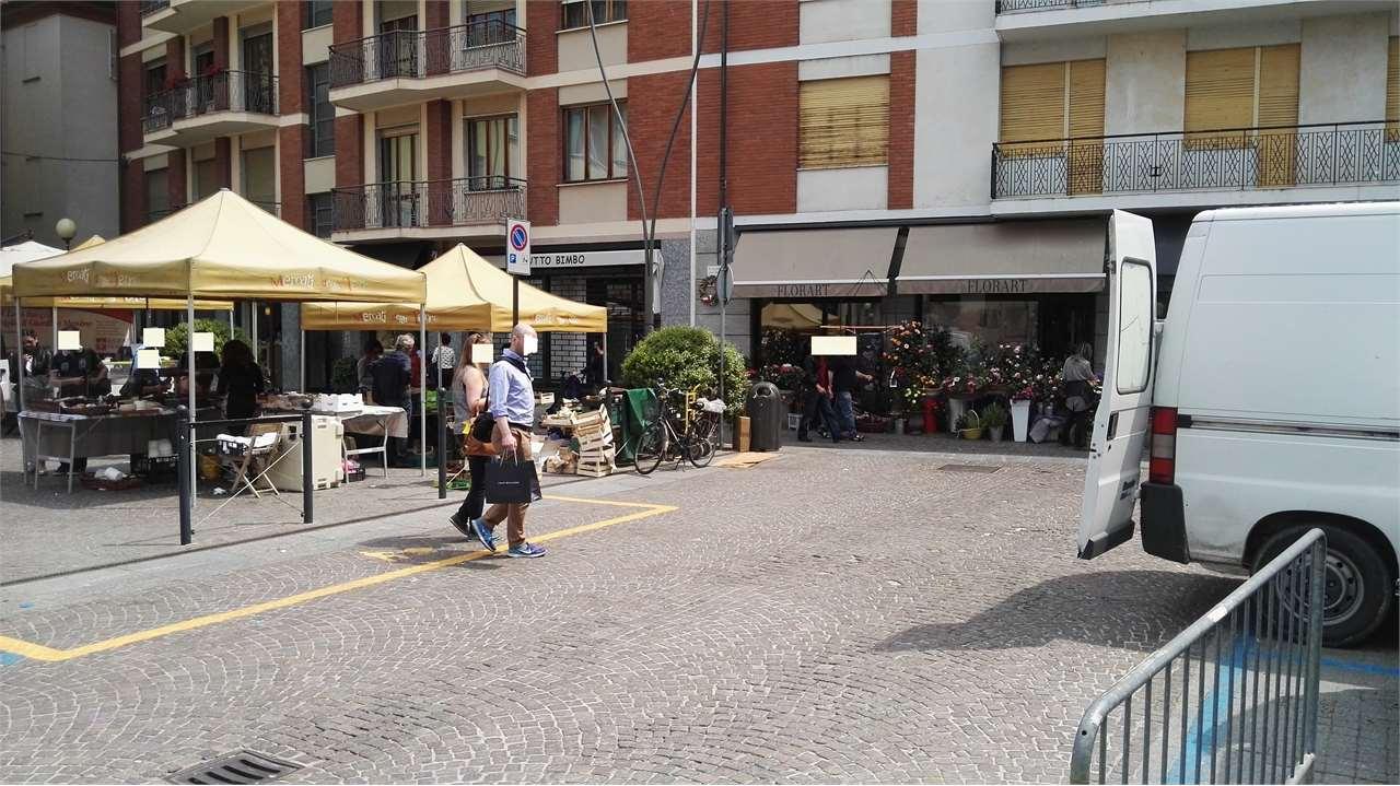 Negozio / Locale in affitto a Alba, 9999 locali, prezzo € 2.900 | CambioCasa.it