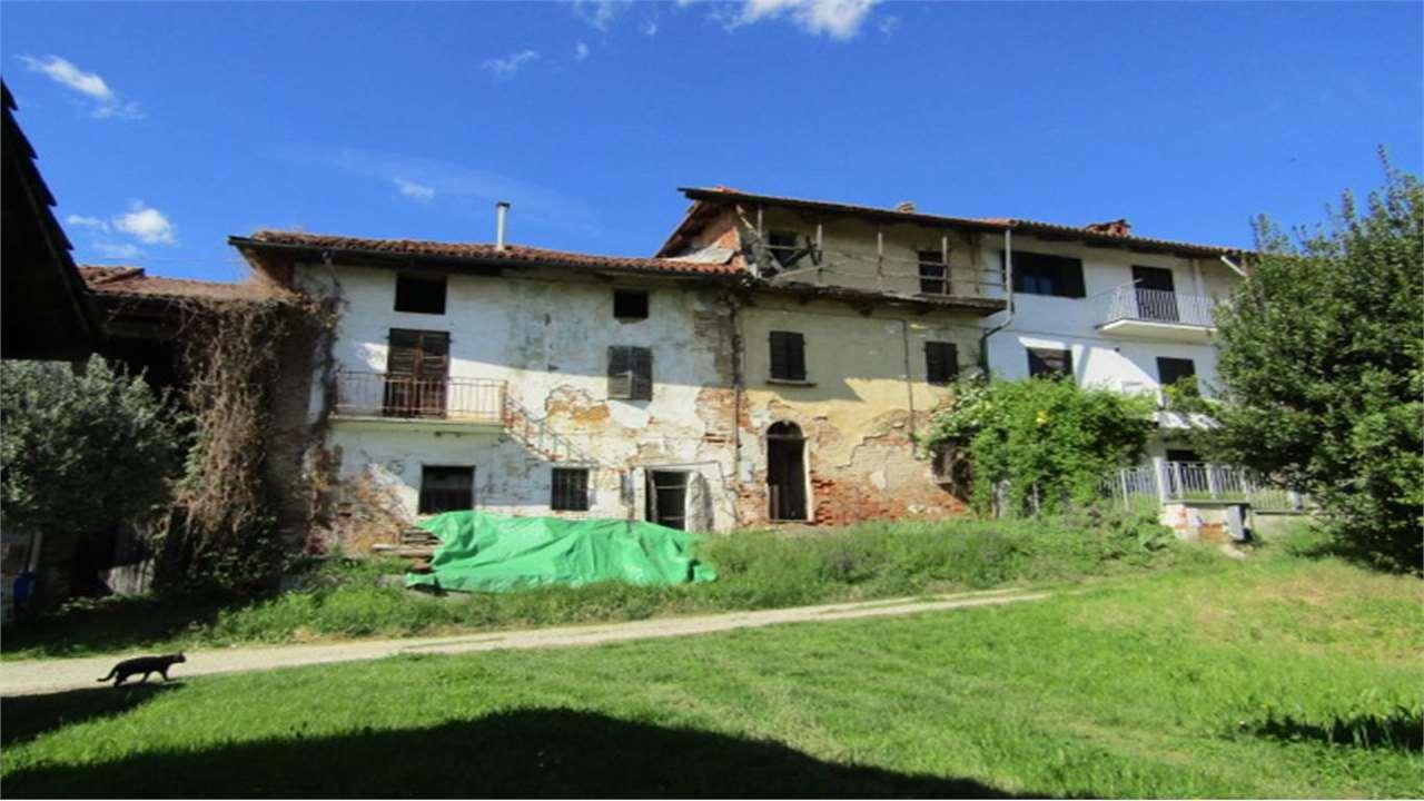 Appartamento in vendita a Mombello di Torino, 5 locali, prezzo € 15.000 | CambioCasa.it