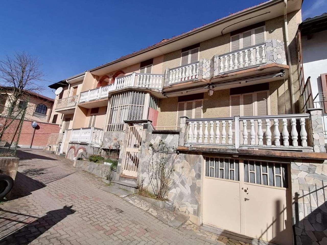 Rustico / Casale in vendita a Arignano, 6 locali, prezzo € 112.000   CambioCasa.it