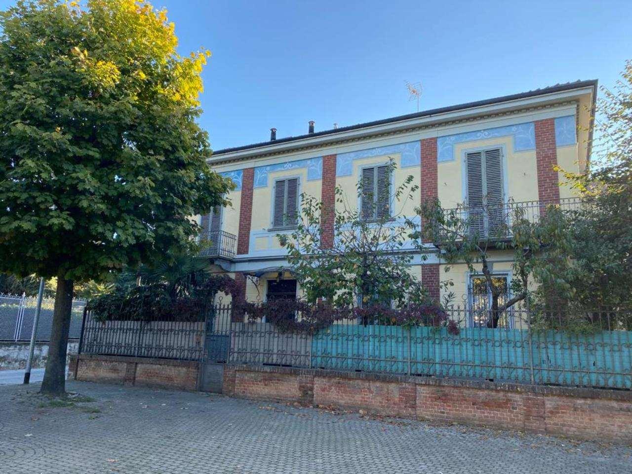 Villa in vendita a Riva Presso Chieri, 10 locali, prezzo € 365.000 | CambioCasa.it