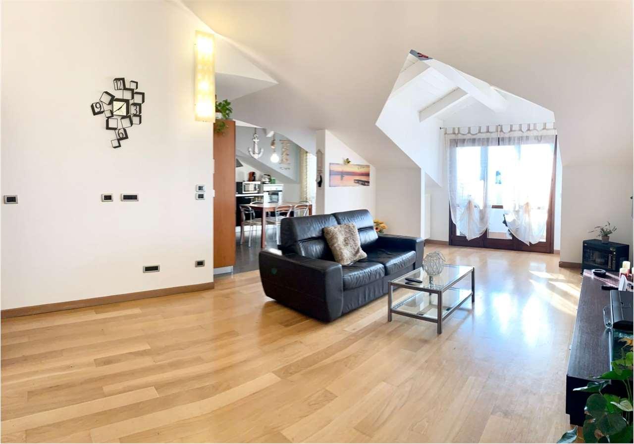 Appartamento in vendita a Riva Presso Chieri, 4 locali, prezzo € 169.000 | CambioCasa.it