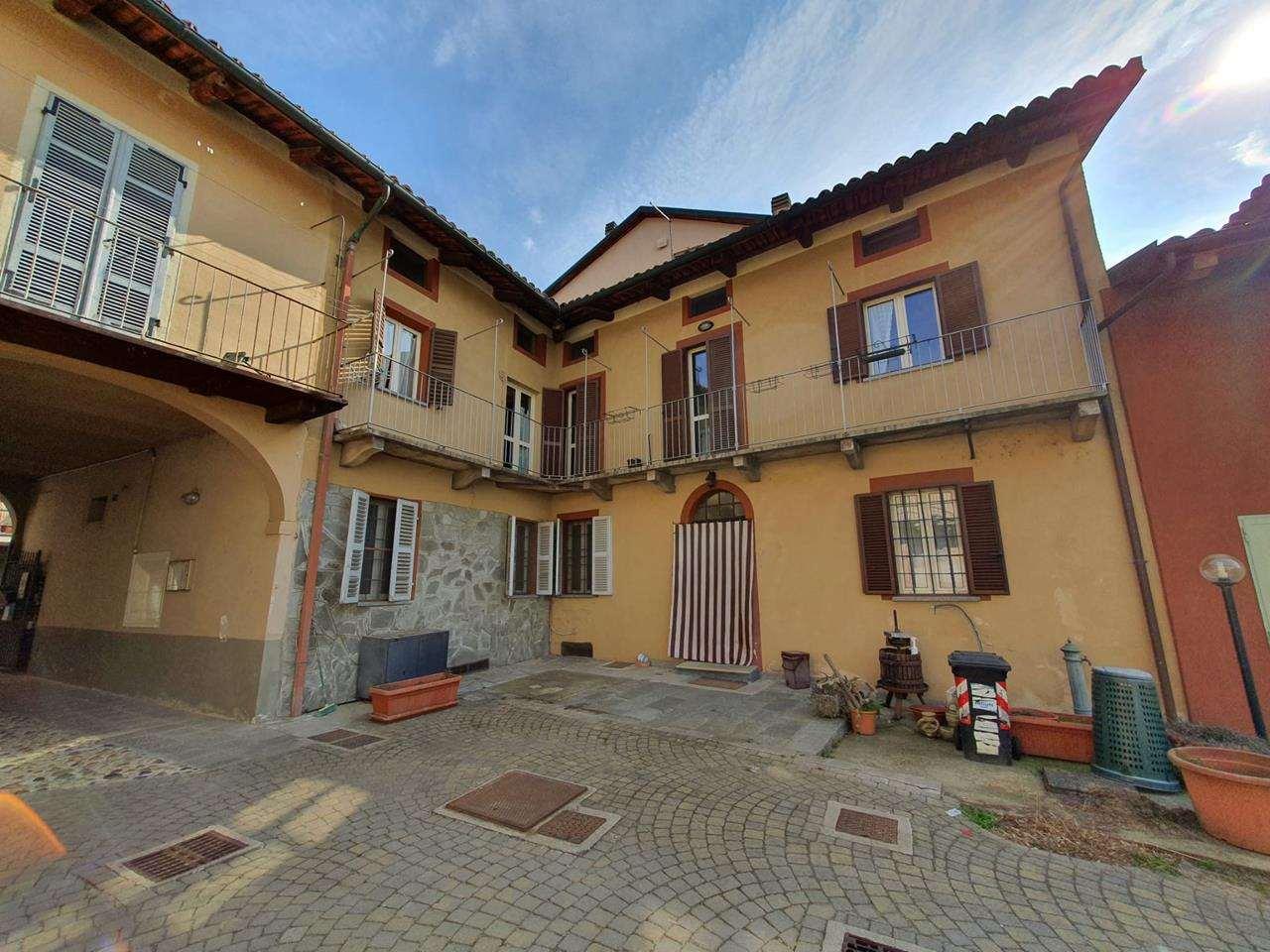 Appartamento in vendita a Riva Presso Chieri, 8 locali, prezzo € 149.000 | CambioCasa.it