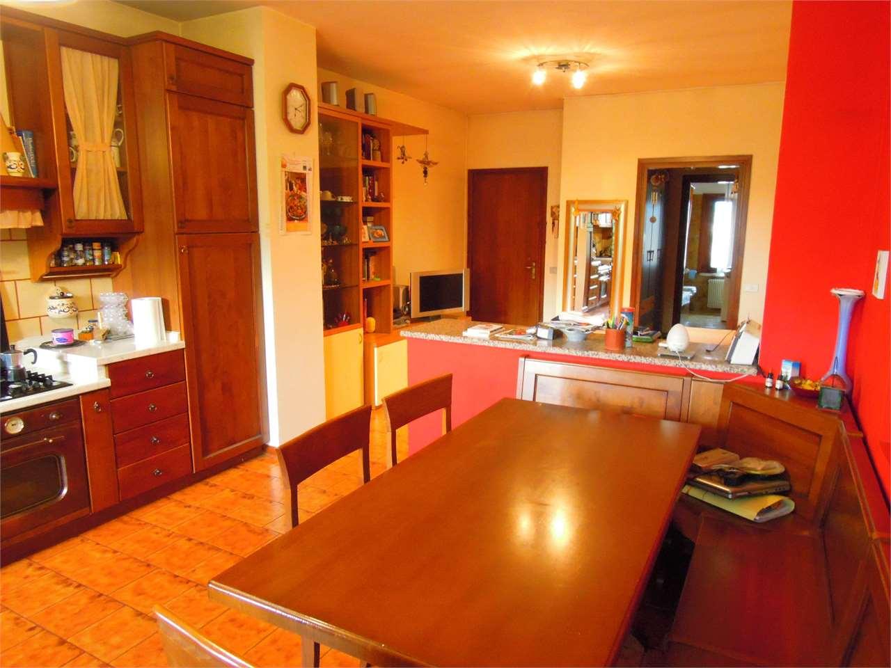 Appartamento in vendita a Sernaglia della Battaglia, 3 locali, zona Località: Falzè di Piave, prezzo € 75.000 | CambioCasa.it