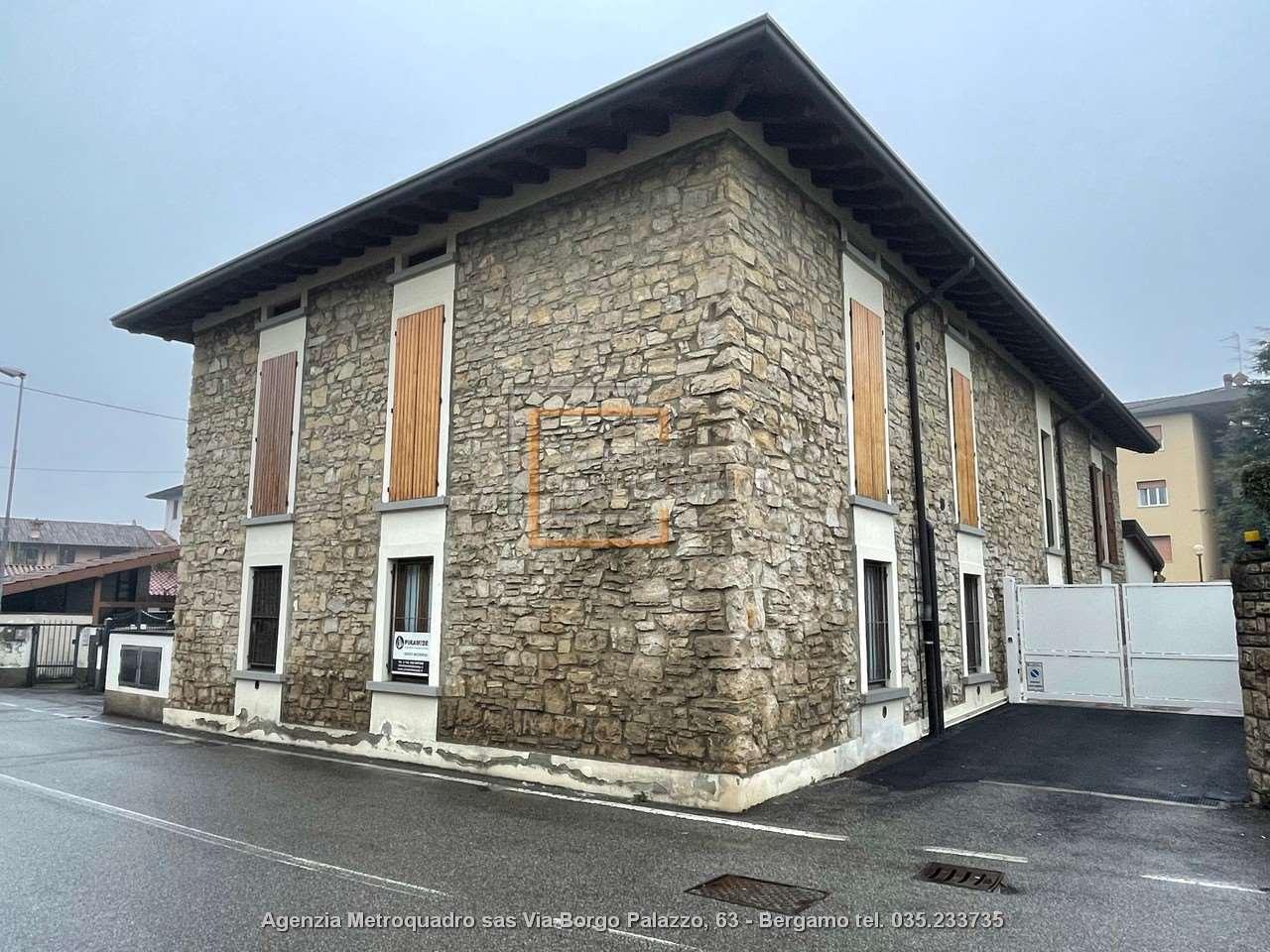 Appartamento in vendita a Grumello del Monte, 2 locali, prezzo € 89.675 | CambioCasa.it