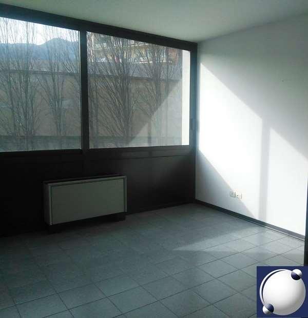 Ufficio / Studio in affitto a Erba, 3 locali, prezzo € 8.400 | PortaleAgenzieImmobiliari.it