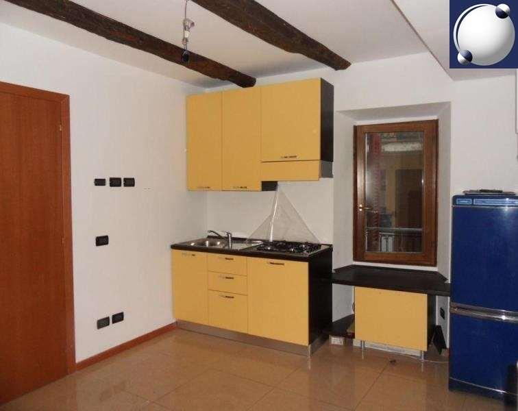 Vendita Bilocale Appartamento Asso 240